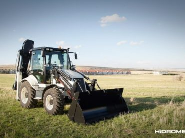 Overview of the new HIDROMEK 102B ALPHA backhoe loader